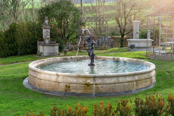 Sager Brunnen Skulpturen Ag Gontenbad